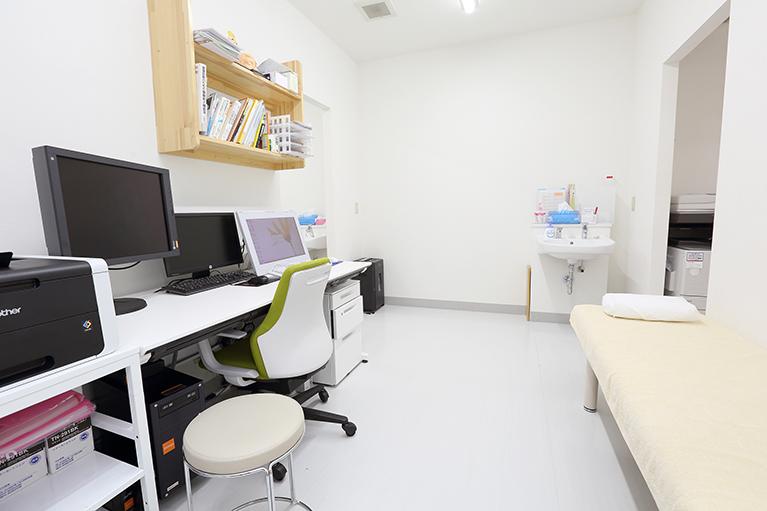 ①脳神経外科と整形外科の協力体制を確立